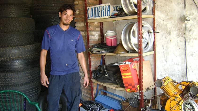 Gustavo z Paraguaja: Založenie autoservisu